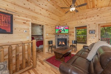 2 Bedroom, 2 Bath Luxury Cabin For 6 In A Resort - A Perfect Family Getaway.