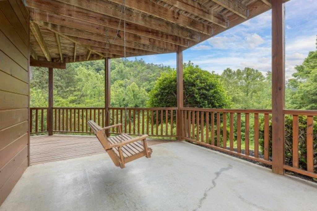Photo of a Sevierville Cabin named Almost Bearadise - This is the thirty-second photo in the set.