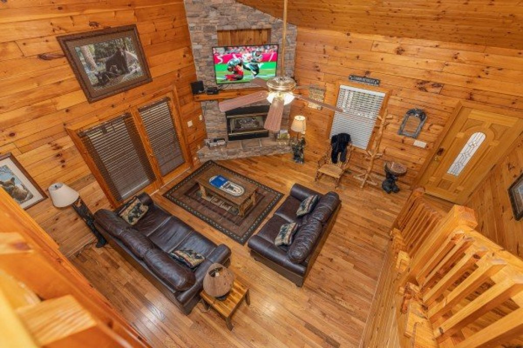 Photo of a Sevierville Cabin named Almost Bearadise - This is the twenty-first photo in the set.