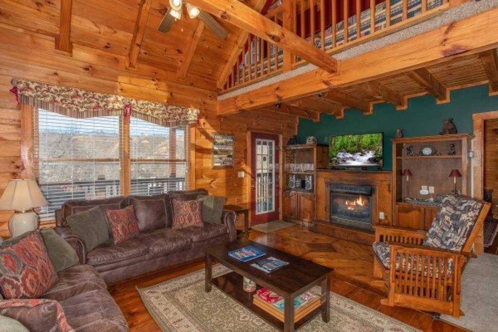 Photo of a Gatlinburg Cabin named Shiloh - This is the sixth photo in the set.