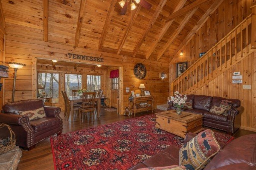 Photo of a Gatlinburg Cabin named Bearfoot Adventure - This is the seventh photo in the set.