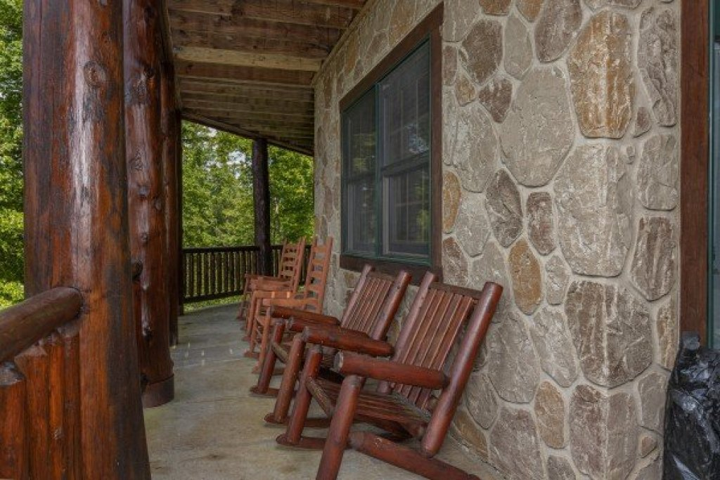 Photo of a Sevierville Cabin named Heavenly Homestead - This is the thirty-second photo in the set.