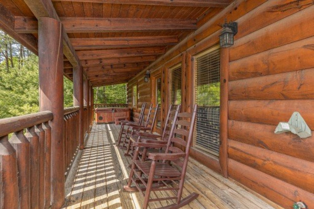 Photo of a Sevierville Cabin named Autumn Blessings - This is the eighth photo in the set.