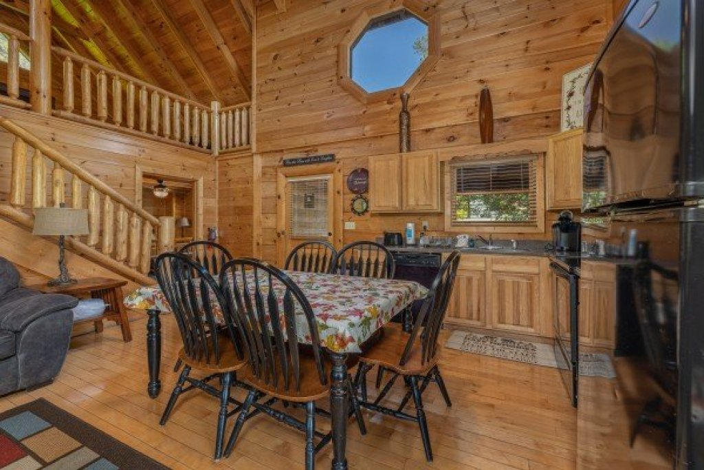 Photo of a Sevierville Cabin named Autumn Blessings - This is the fourth photo in the set.