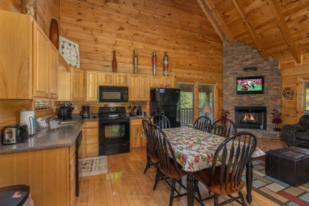 Photo of a Sevierville Cabin named Autumn Blessings - This is the fifth photo in the set.