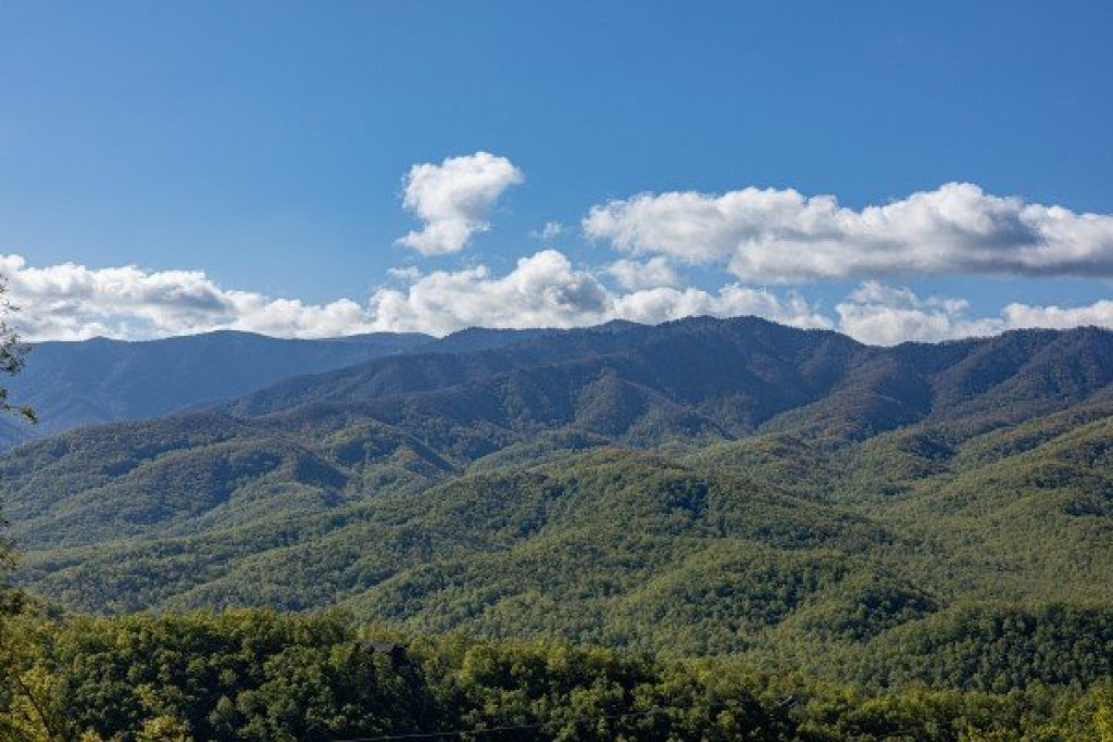 Photo of a Gatlinburg Cabin named Heaven's Hill - This is the thirtieth photo in the set.