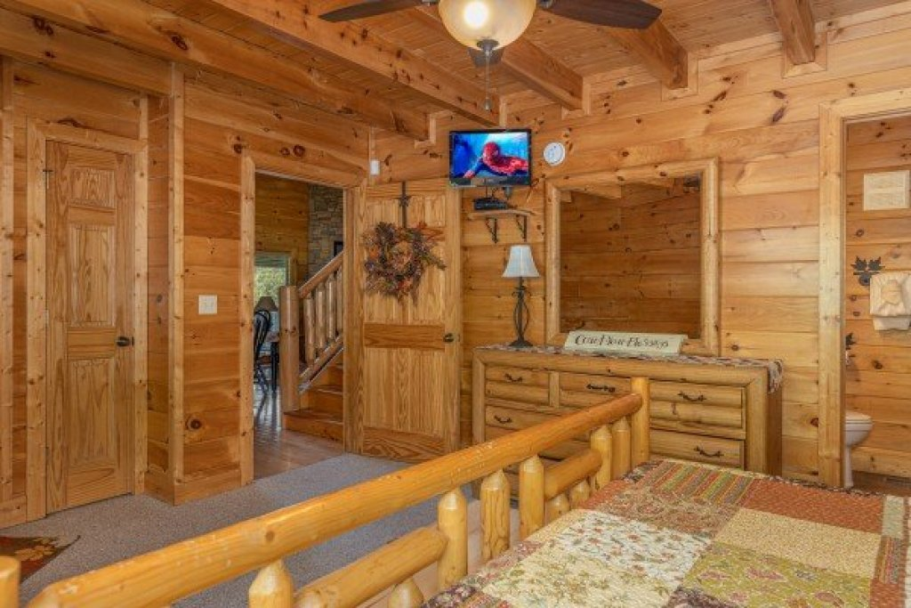 Photo of a Sevierville Cabin named Autumn Blessings - This is the eleventh photo in the set.