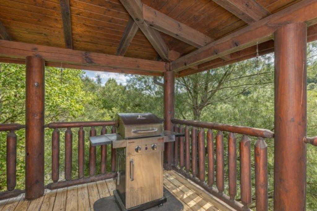 Photo of a Sevierville Cabin named Autumn Blessings - This is the sixth photo in the set.