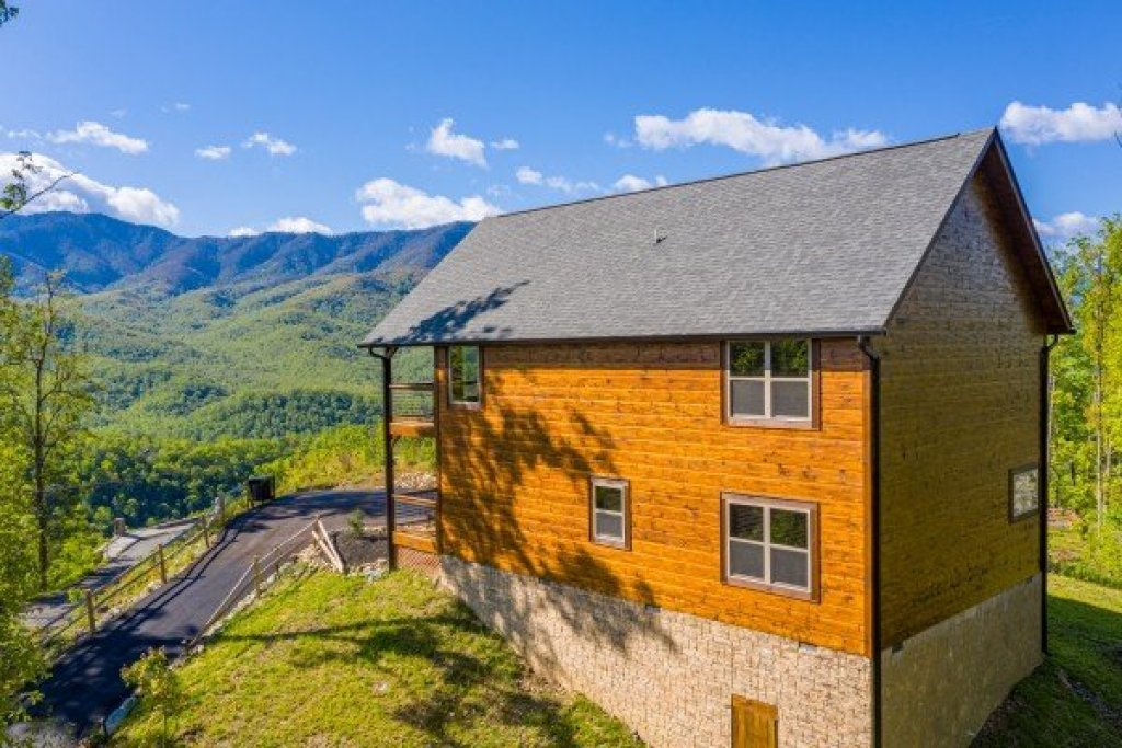 Photo of a Gatlinburg Cabin named Heaven's Hill - This is the thirty-fifth photo in the set.