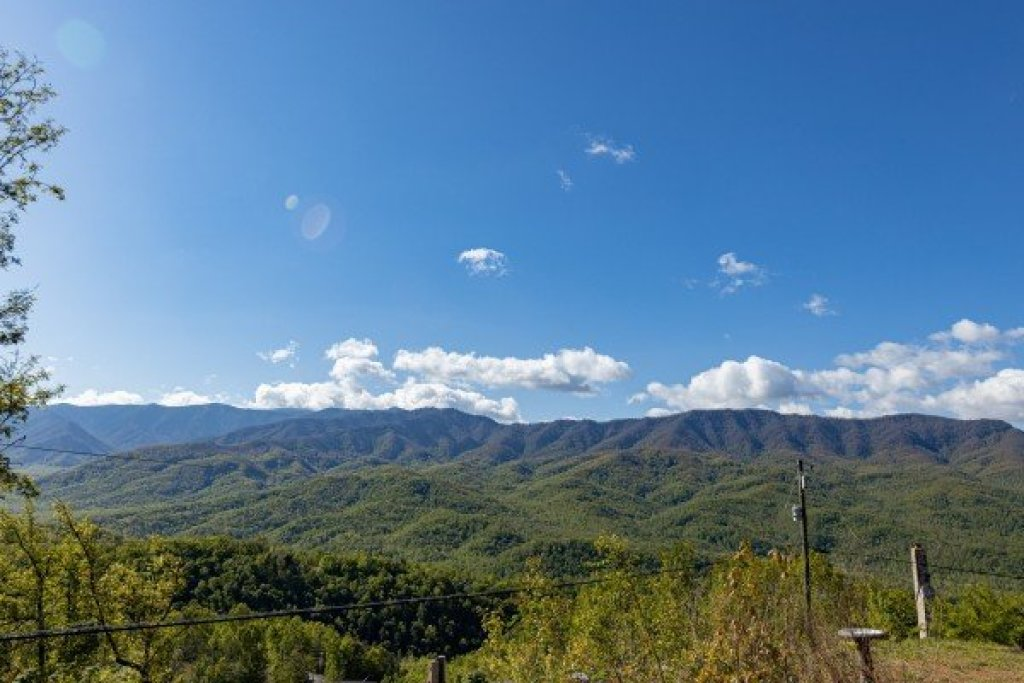 Photo of a Gatlinburg Cabin named Heaven's Hill - This is the thirty-second photo in the set.