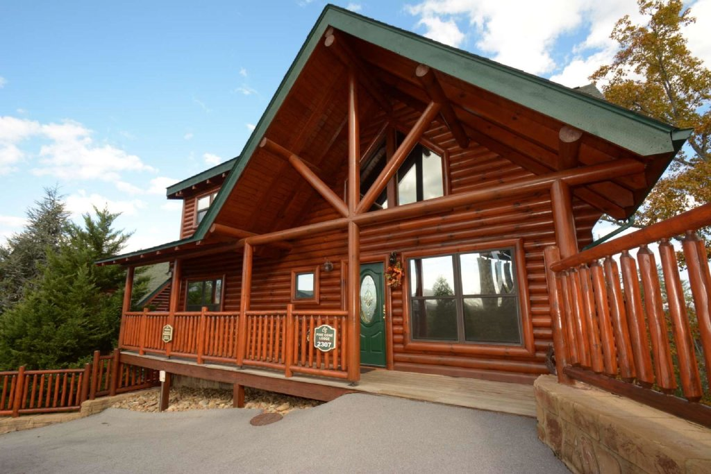 Photo of a Sevierville Cabin named Pine Cone Lodge - This is the first photo in the set.