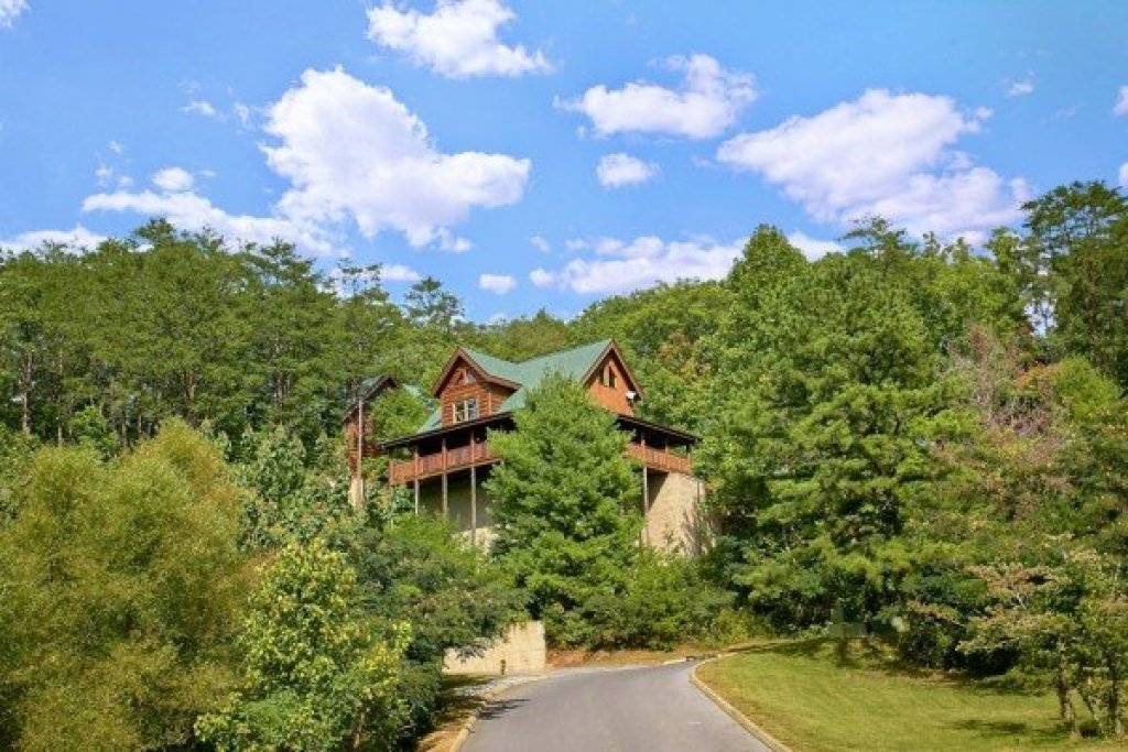 Photo of a Sevierville Cabin named Autumn Blessings - This is the twenty-second photo in the set.