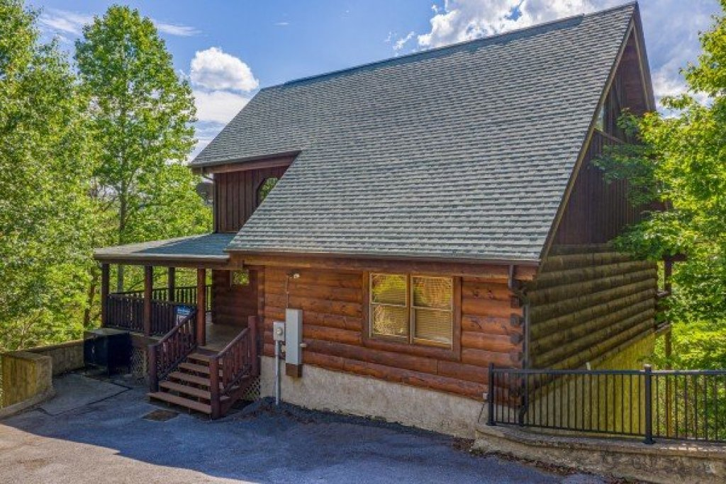 Photo of a Sevierville Cabin named Autumn Blessings - This is the twentieth photo in the set.