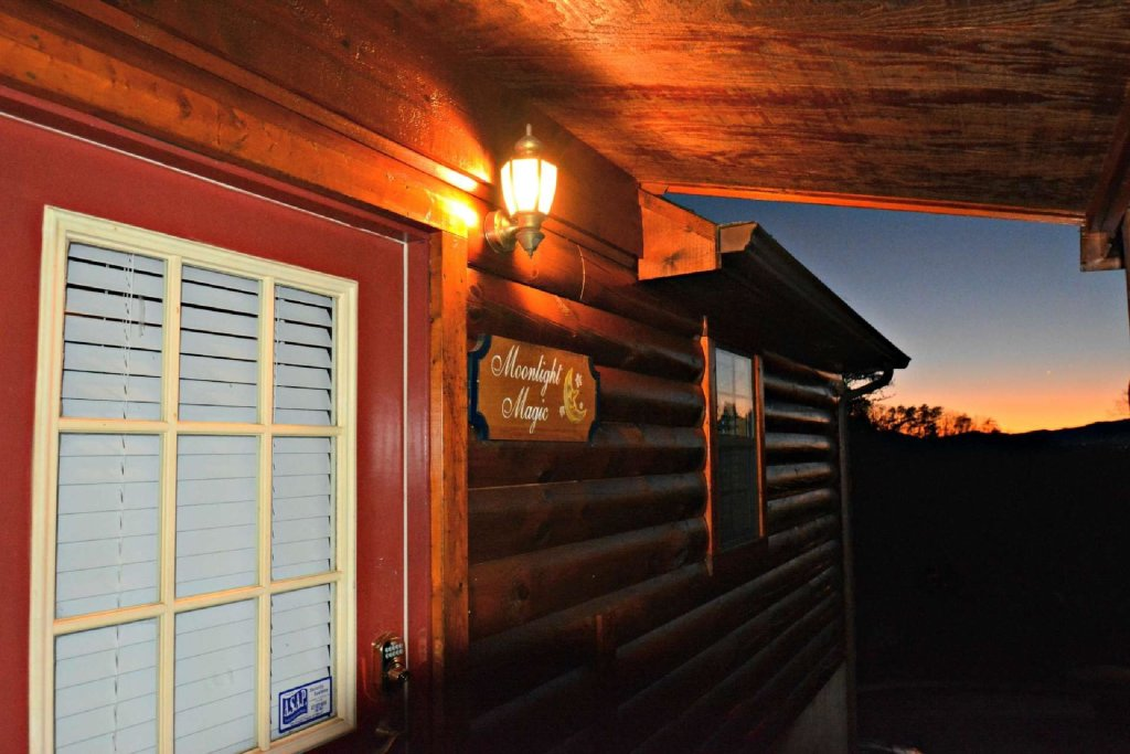 Photo of a Pigeon Forge Cabin named Moonlight Magic - This is the fifth photo in the set.