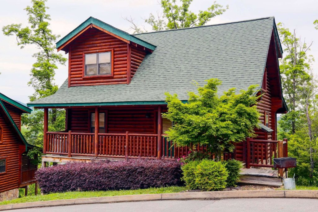 Photo of a Sevierville Cabin named Hideaway Haven - This is the third photo in the set.