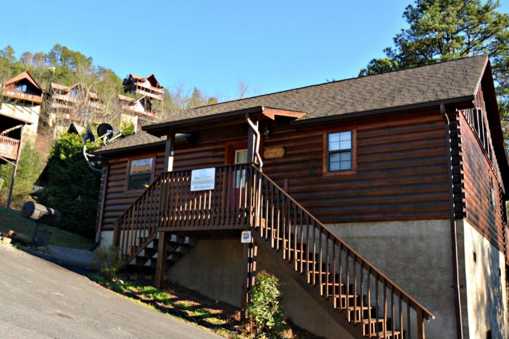 Photo of a Pigeon Forge Cabin named Moonlight Magic - This is the eighteenth photo in the set.
