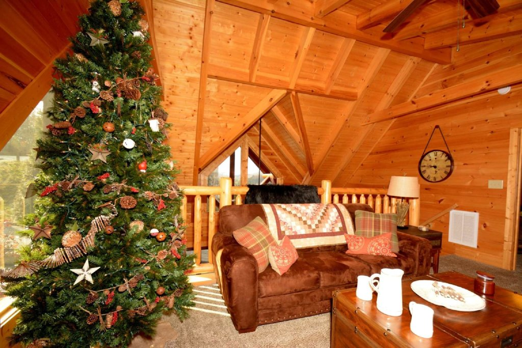 Photo of a Sevierville Cabin named Pine Cone Lodge - This is the twelfth photo in the set.