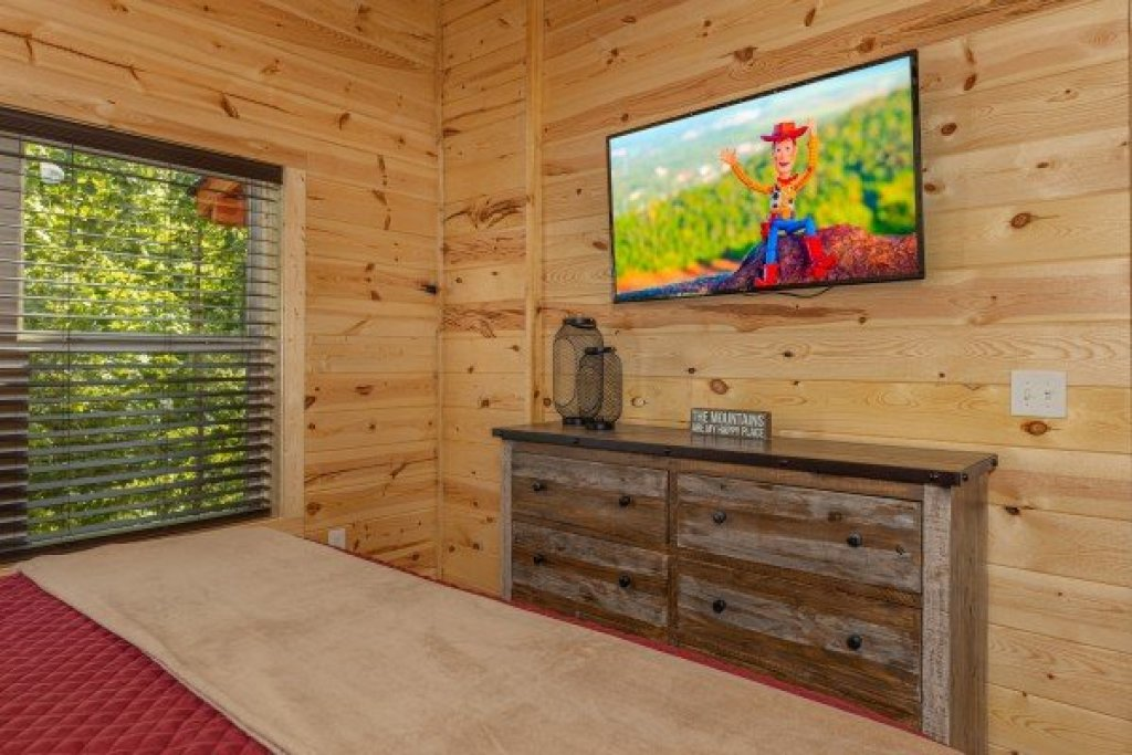 Photo of a Sevierville Cabin named Mountain Life - This is the eighth photo in the set.
