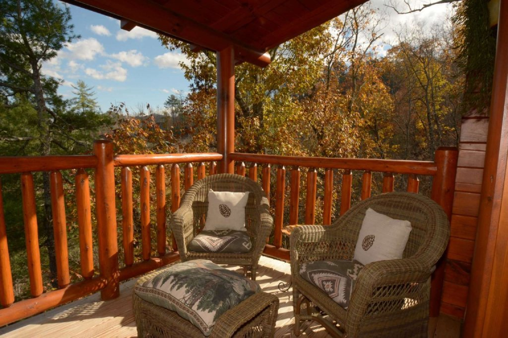 Photo of a Sevierville Cabin named Pine Cone Lodge - This is the twenty-second photo in the set.