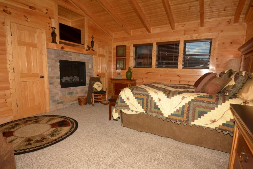 Photo of a Sevierville Cabin named Pine Cone Lodge - This is the twentieth photo in the set.