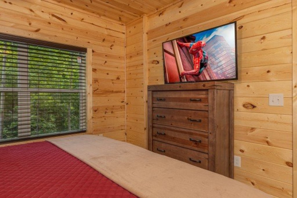 Photo of a Sevierville Cabin named Mountain Life - This is the eighteenth photo in the set.