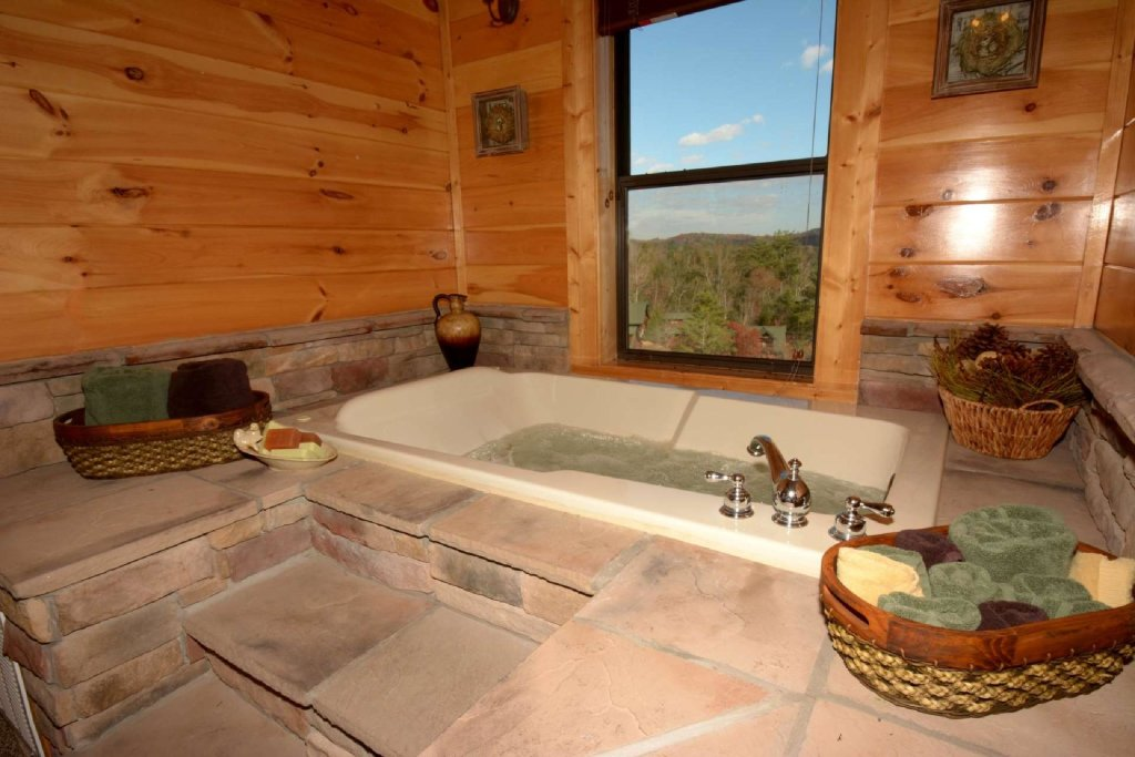 Photo of a Sevierville Cabin named Pine Cone Lodge - This is the twenty-first photo in the set.