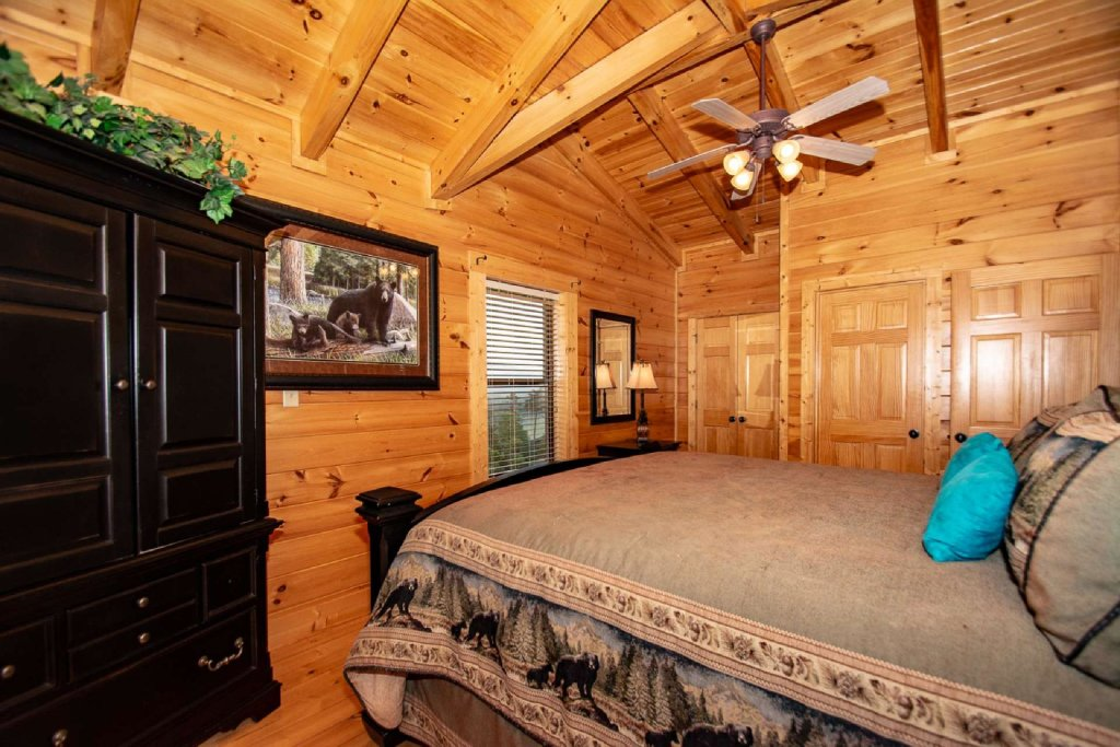 Photo of a Sevierville Cabin named Hideaway Haven - This is the sixteenth photo in the set.