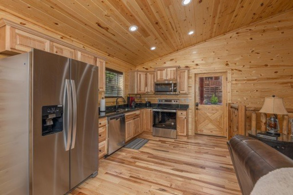 Photo of a Sevierville Cabin named Mountain Life - This is the sixth photo in the set.