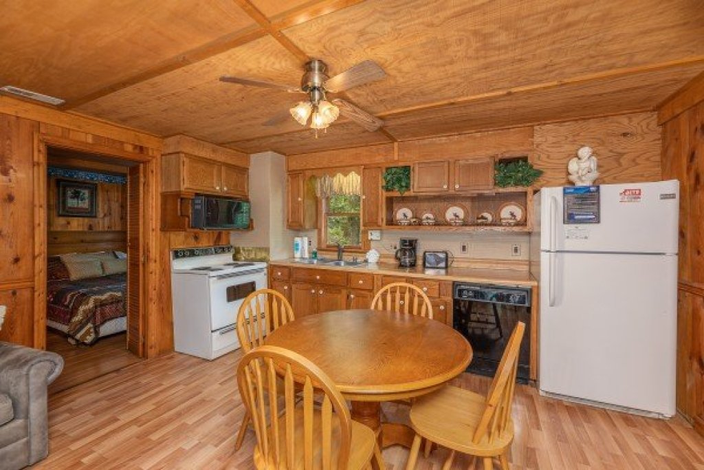 Photo of a Gatlinburg Cabin named Heavenly Hideaway - This is the sixth photo in the set.