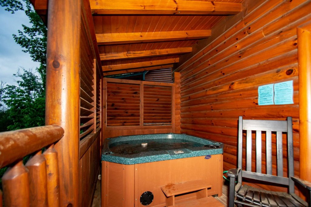 Photo of a Sevierville Cabin named Hideaway Haven - This is the twenty-first photo in the set.