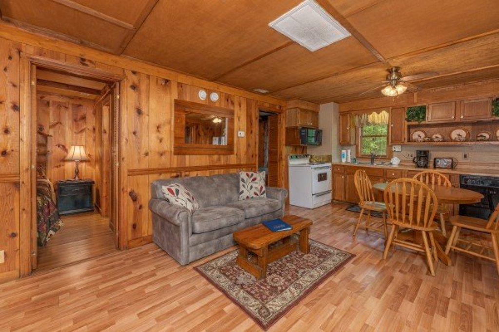 Photo of a Gatlinburg Cabin named Heavenly Hideaway - This is the fifth photo in the set.