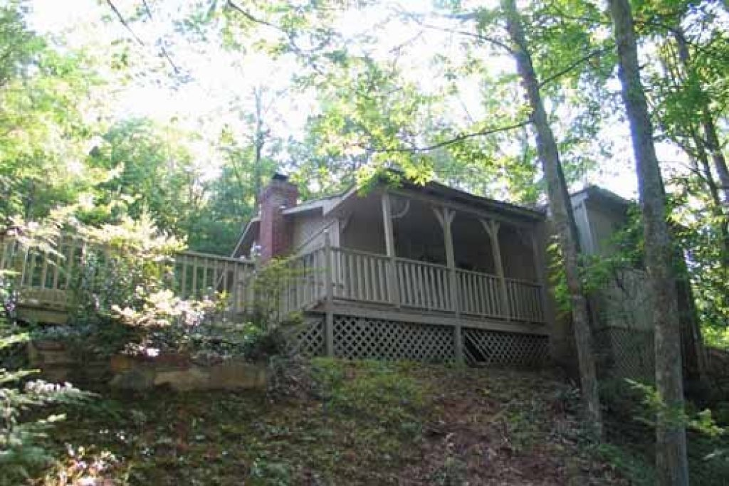 Photo of a Gatlinburg Cabin named Heavenly Hideaway - This is the sixteenth photo in the set.