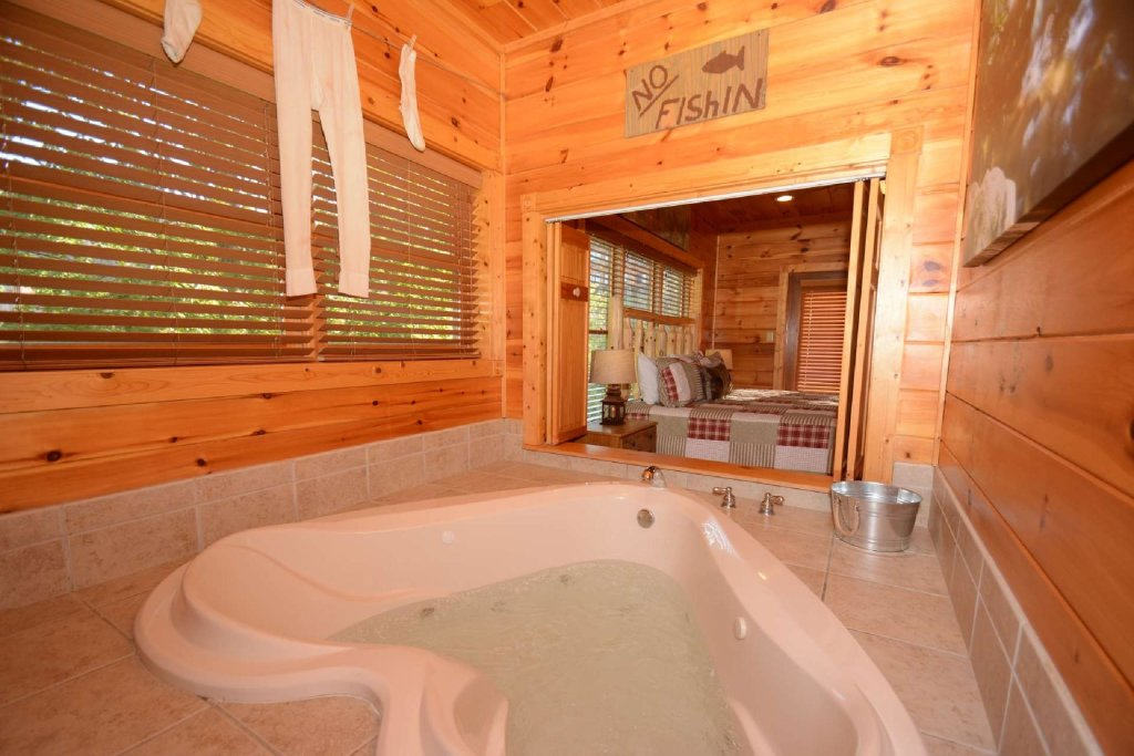 Photo of a Gatlinburg Cabin named Rustic Paradise - This is the twelfth photo in the set.