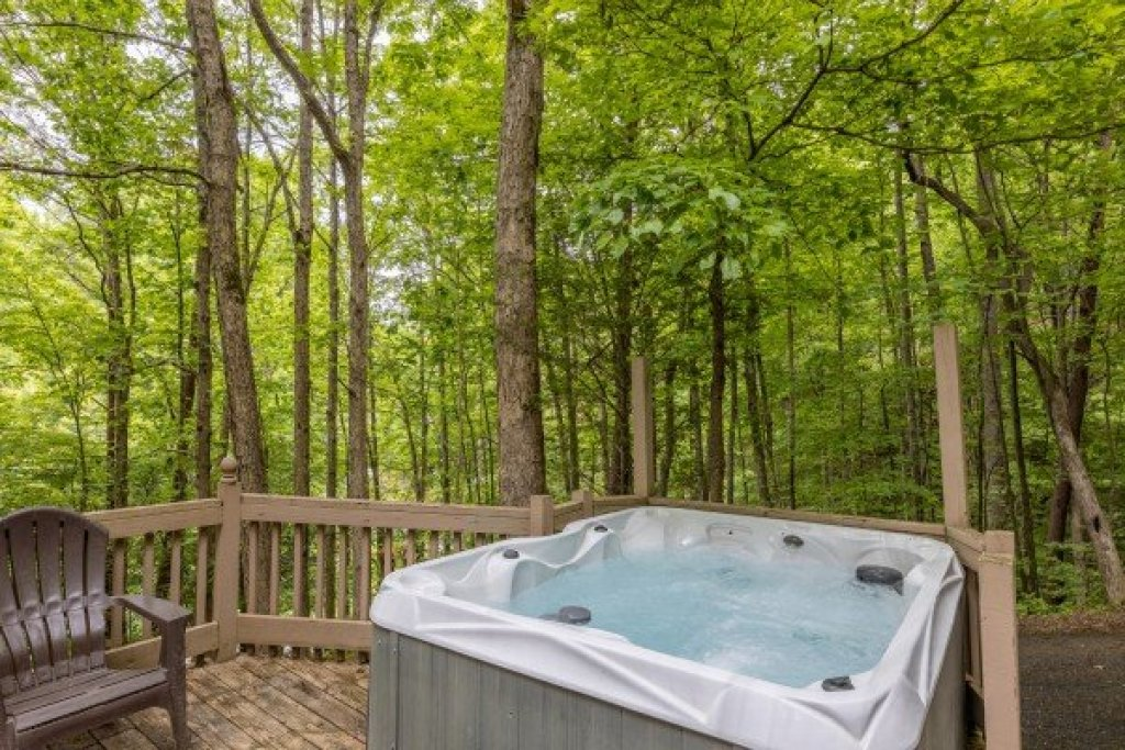 Photo of a Gatlinburg Cabin named Heavenly Hideaway - This is the fifteenth photo in the set.