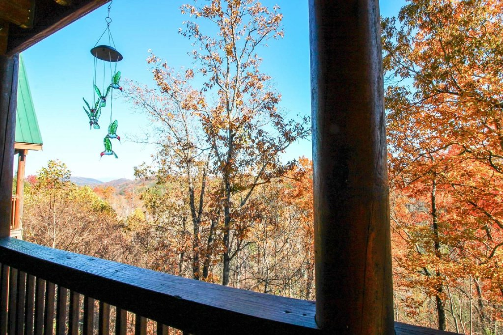 Photo of a Pigeon Forge Cabin named Heaven's Door - This is the sixth photo in the set.