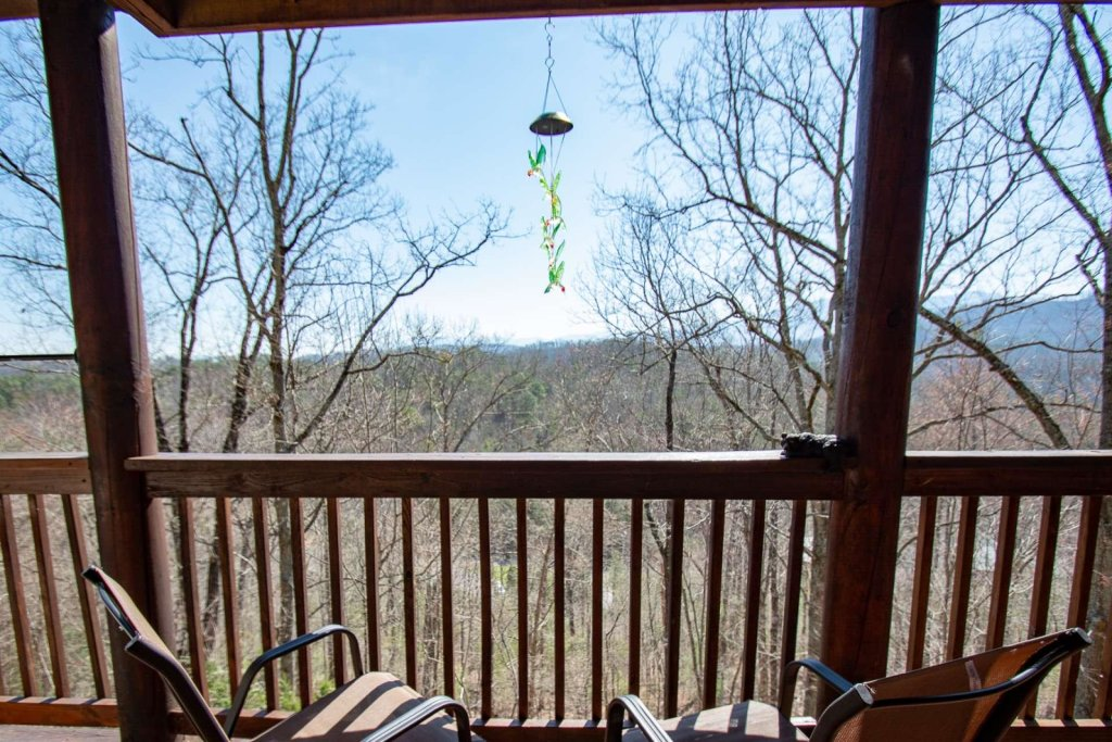 Photo of a Pigeon Forge Cabin named Heaven's Door - This is the fifth photo in the set.