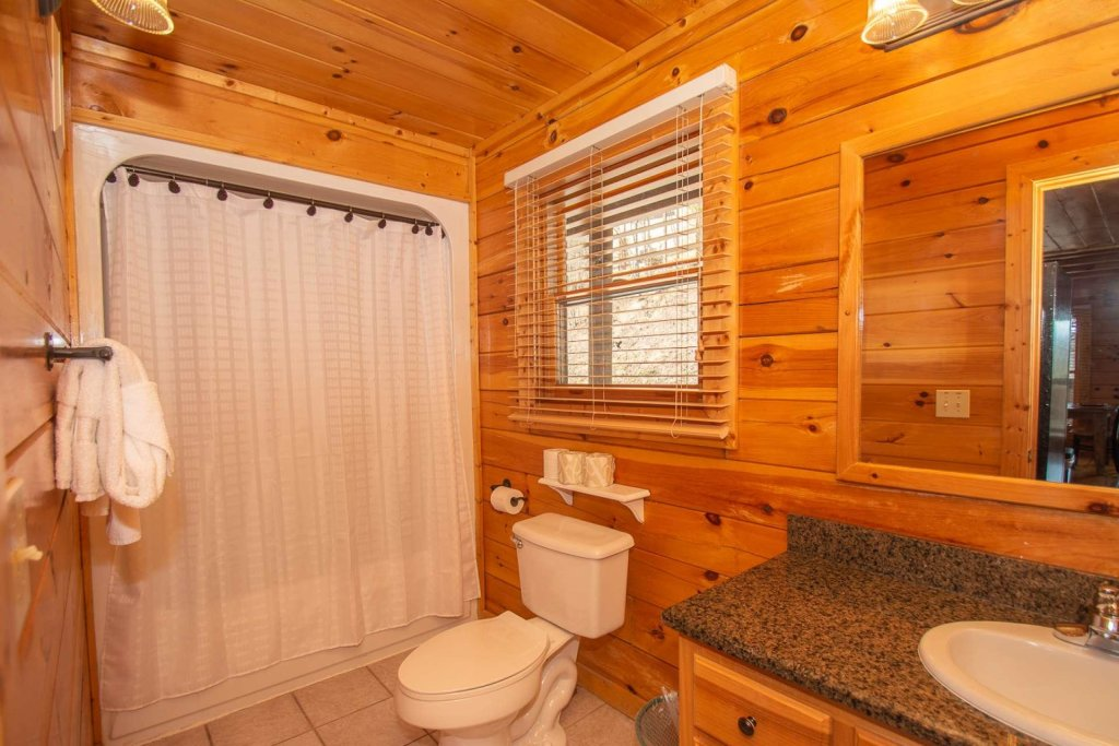 Photo of a Pigeon Forge Cabin named Heaven's Door - This is the twentieth photo in the set.