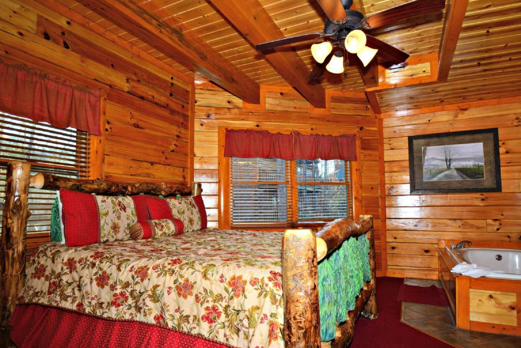 Photo of a Gatlinburg Cabin named Evannely Memories - This is the ninth photo in the set.