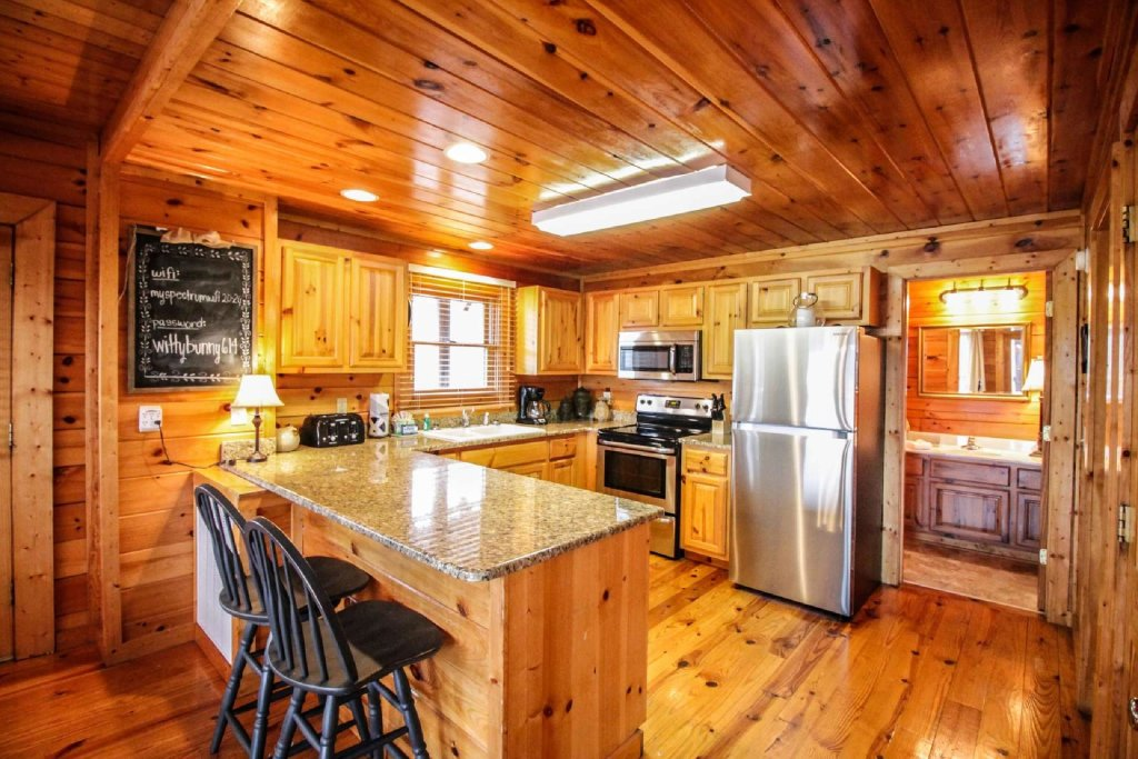 Photo of a Pigeon Forge Cabin named Mountain Memories - This is the twelfth photo in the set.