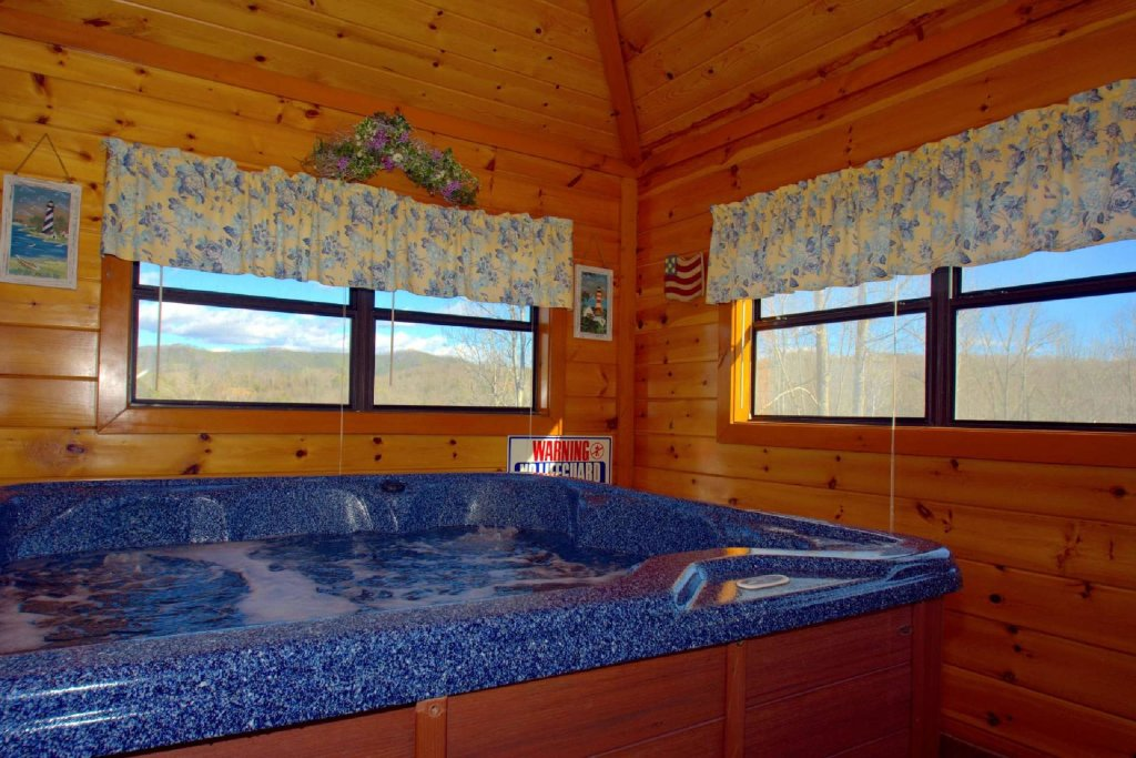 Photo of a Gatlinburg Cabin named Evannely Memories - This is the third photo in the set.