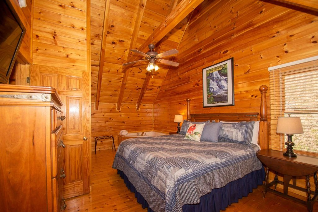 Photo of a Pigeon Forge Cabin named Heaven's Door - This is the twenty-first photo in the set.