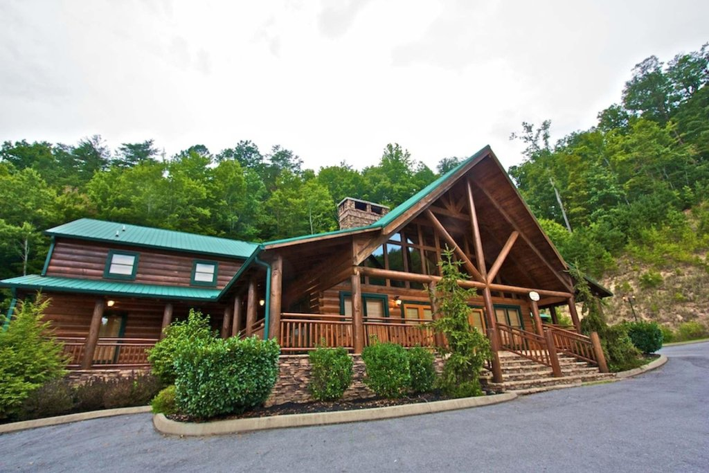 Photo of a Pigeon Forge Cabin named Heaven's Door - This is the thirty-seventh photo in the set.