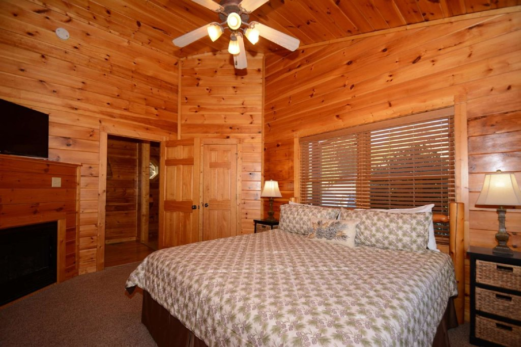 Photo of a Gatlinburg Cabin named Rustic Paradise - This is the seventeenth photo in the set.