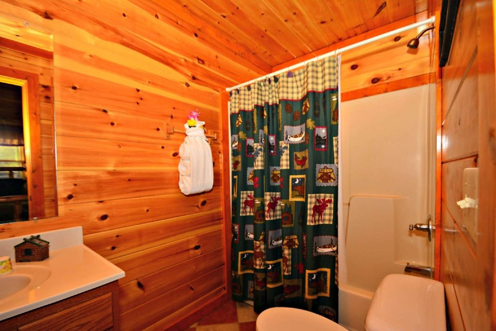 Photo of a Gatlinburg Cabin named Evannely Memories - This is the seventeenth photo in the set.