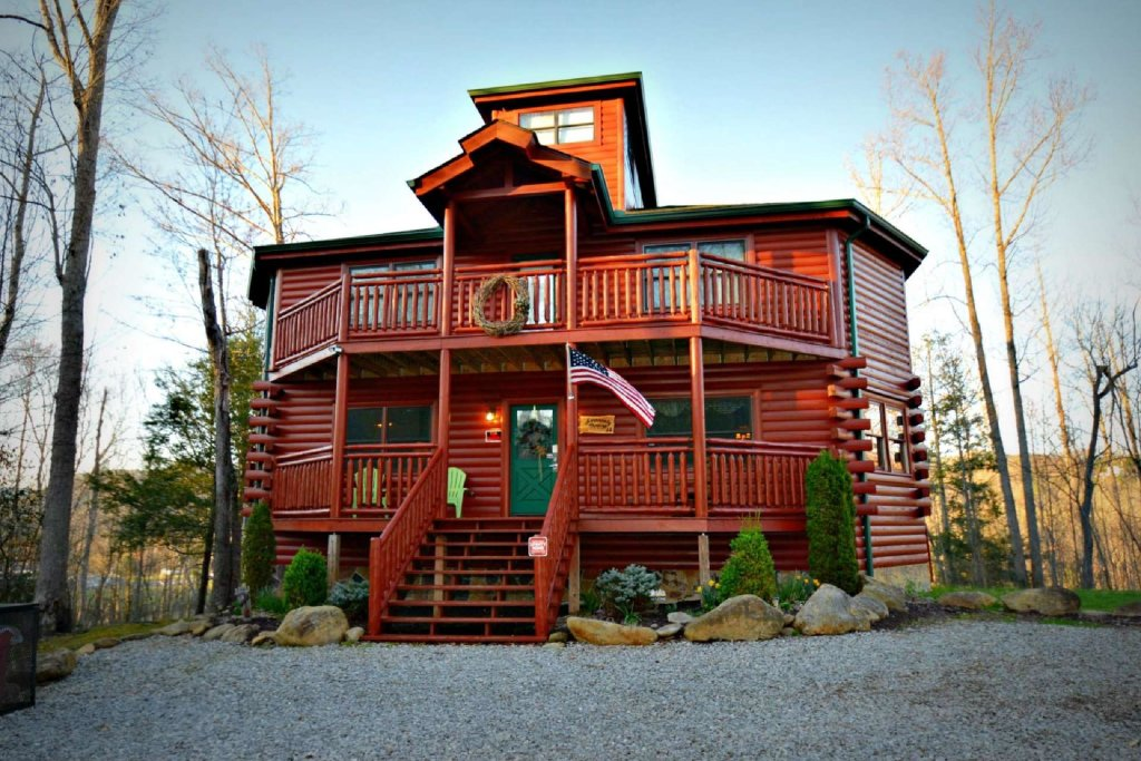 Photo of a Gatlinburg Cabin named Evannely Memories - This is the first photo in the set.