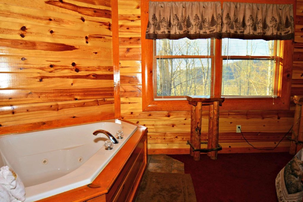Photo of a Gatlinburg Cabin named Evannely Memories - This is the nineteenth photo in the set.