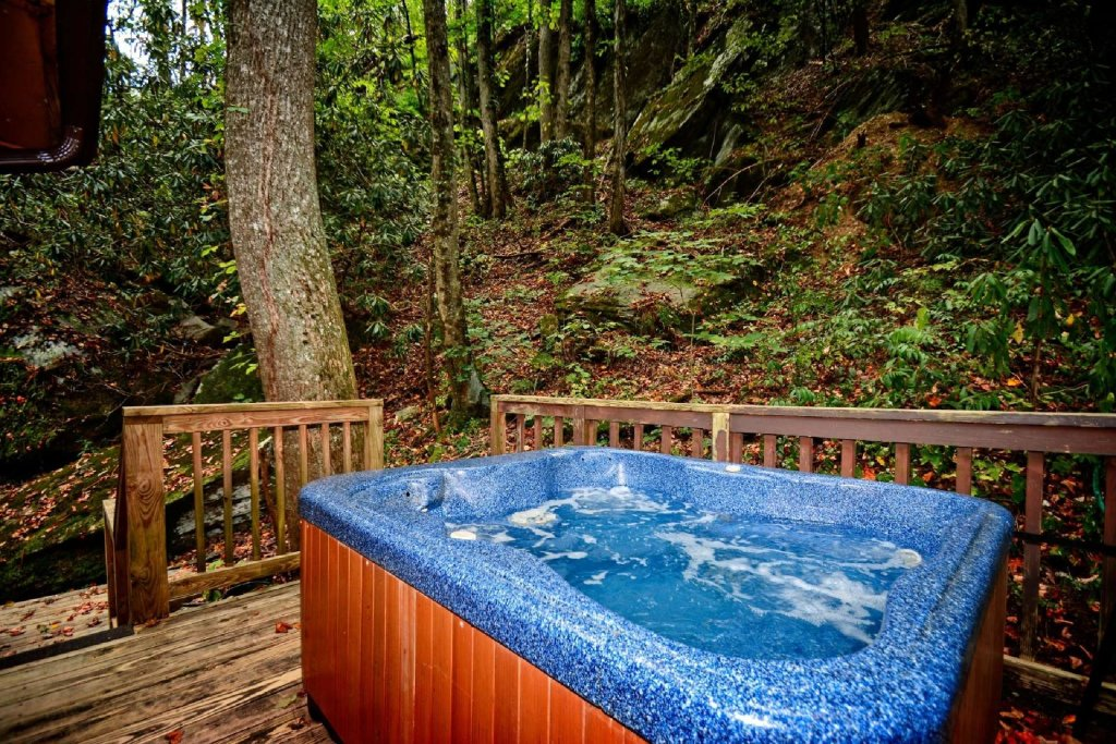Photo of a Gatlinburg Cabin named Waterfall Cabin - This is the twenty-first photo in the set.