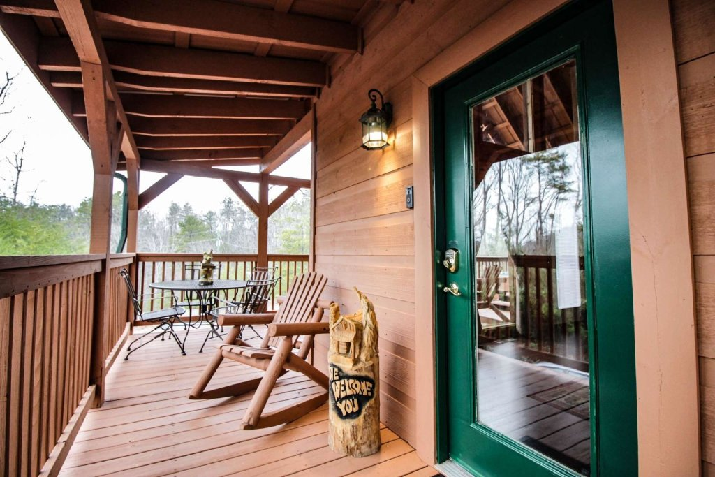 Photo of a Pigeon Forge Cabin named Misty Mountain View - This is the eighth photo in the set.