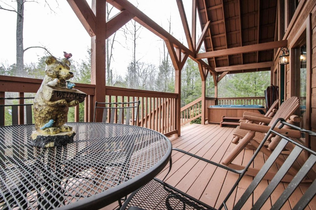 Photo of a Pigeon Forge Cabin named Misty Mountain View - This is the thirteenth photo in the set.