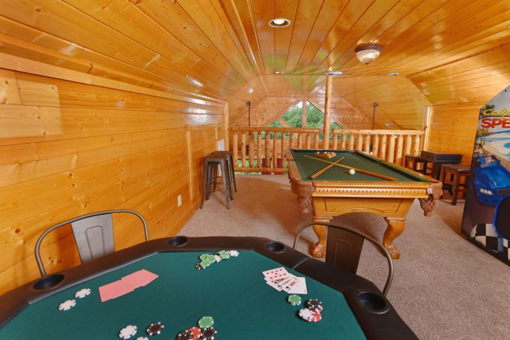 Photo of a Pigeon Forge Cabin named April Mist - This is the twenty-second photo in the set.